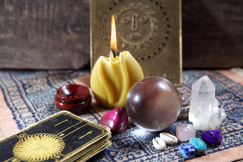 tarot or oracle card reading